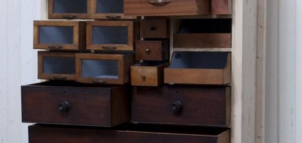 Новый шкаф из старых ящиков