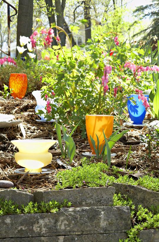 вазы в саду