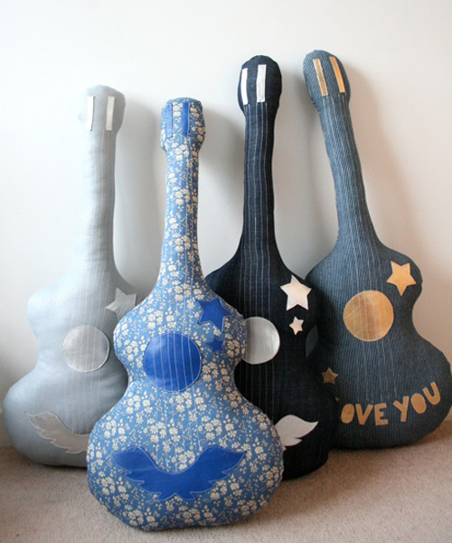 подушки - гитары