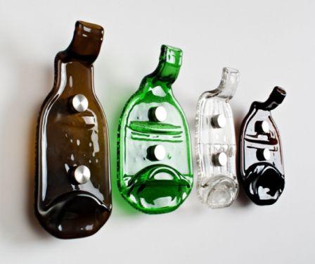 настенные вешалки - крючки из прессованых бутылок