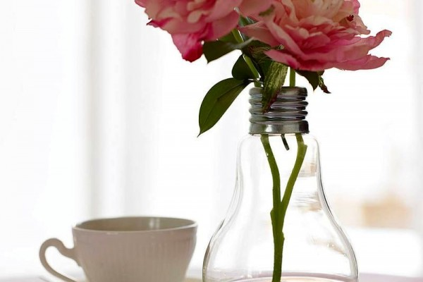 ваза - поделки из лампочки