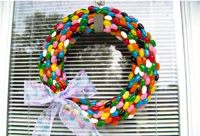 новогодний венок из конфет своими руками