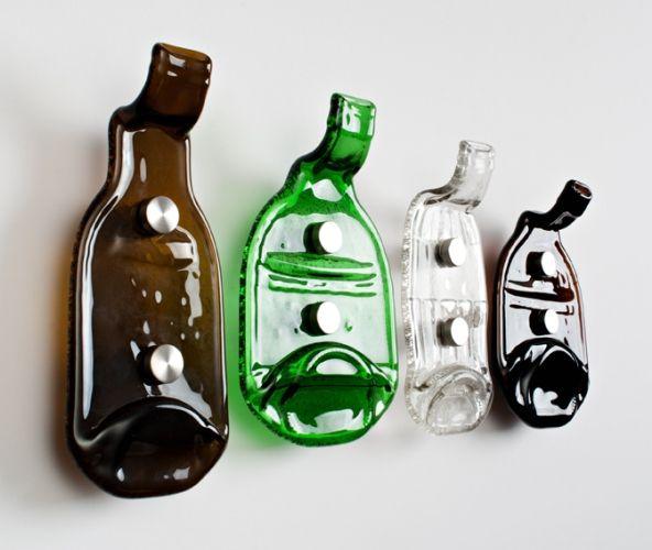 крючки для одежды из стеклянных бутылок