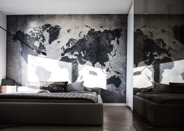 стилизованная карта мира в интерьере спальни