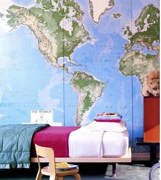 географические карты в интерьере как обои