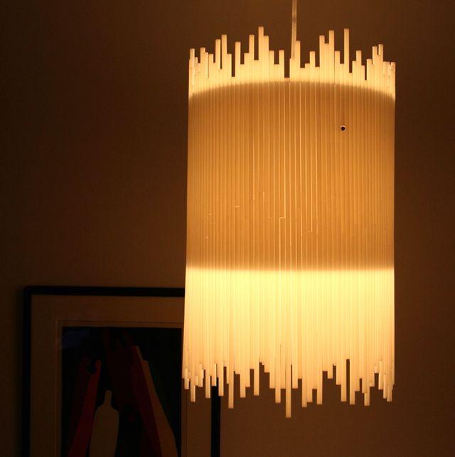 поделки из пластиковых трубочек - светильник из трубочек