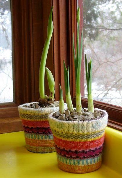 чехлы на цветочные горшки из свитера