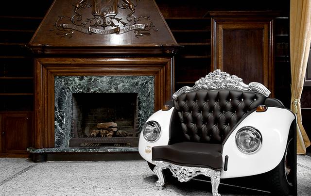 сочетание барокко и автомобиля Beetle в кресле