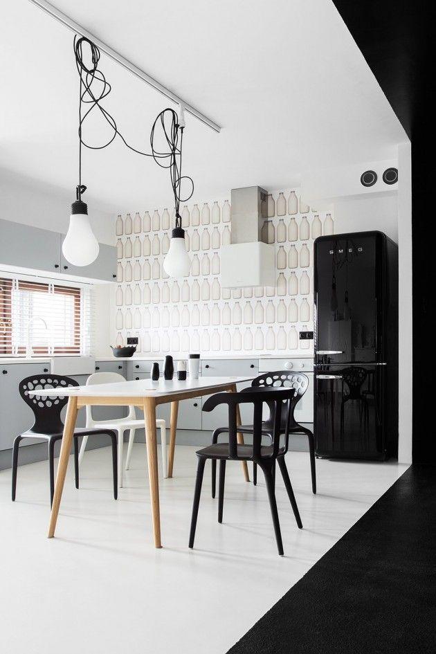 зона кухни и столовой в черно-белых цветах
