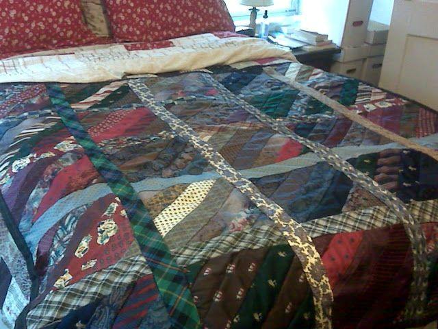 покрывало на кровать в стиле пэтчворк из галстуков