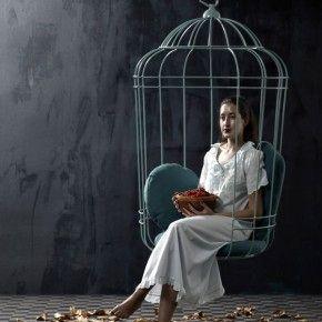 Элегантное качающееся кресло в виде птичьей клетки