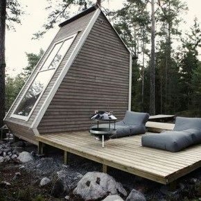 Крошечный летний домик площадью 9 квадратных метров