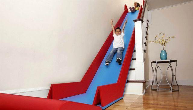 горка для детей на лестницу