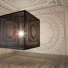 Светильник Intersections: кружевные тени как декор интерьера