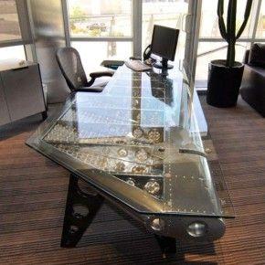 Стильные столы в индустриальном стиле для кабинета и офиса
