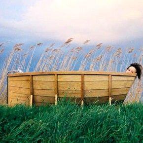 Ванна в виде лодки: уплыть от забот
