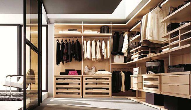 открытый угловой дизайн гардеробной