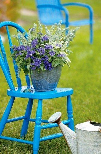подставка для растений из старого стула