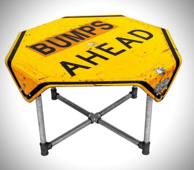 стол из дорожного знака Tim Delger