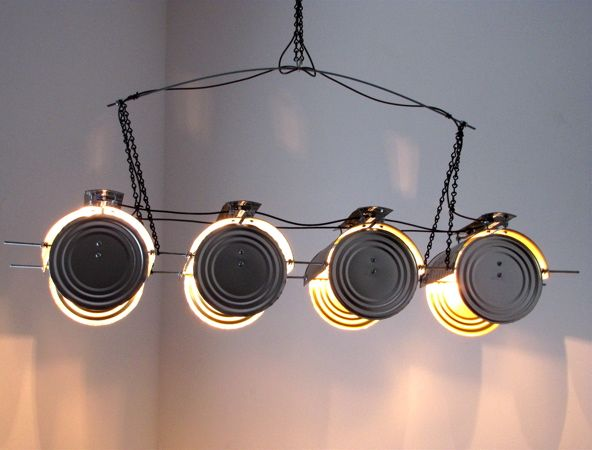 лампа из жестяных банок
