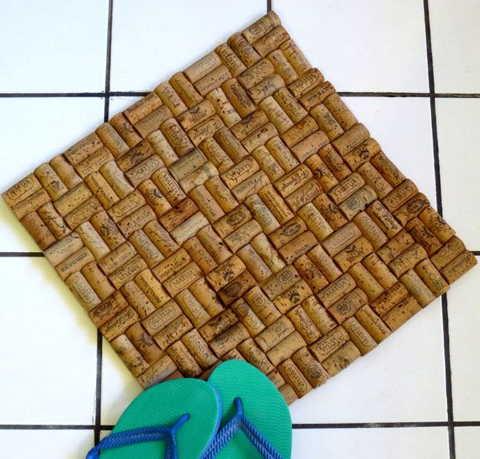 Как из винных пробок сделать коврик