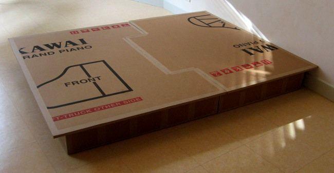 кровать из картона - стеллаж