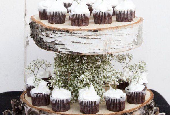 многоярусная подставка для торта из спилов бревна 01