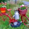 Декоративные поделки для сада из колес и велосипеда