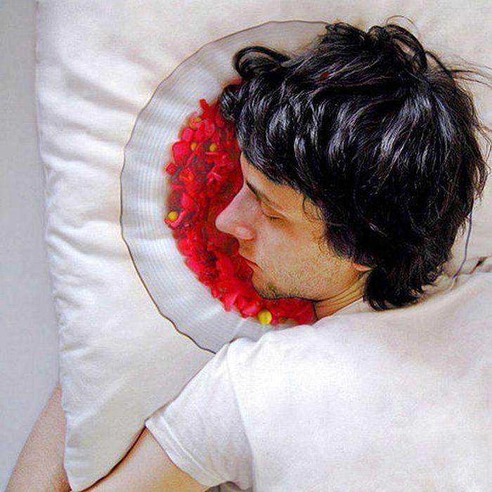 оригинальные подушки лицом в салат