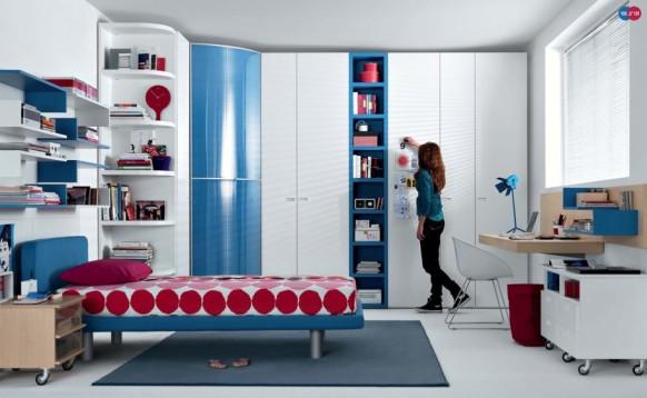 красно-синий интерьер комнаты для девочки, MisuraEmme
