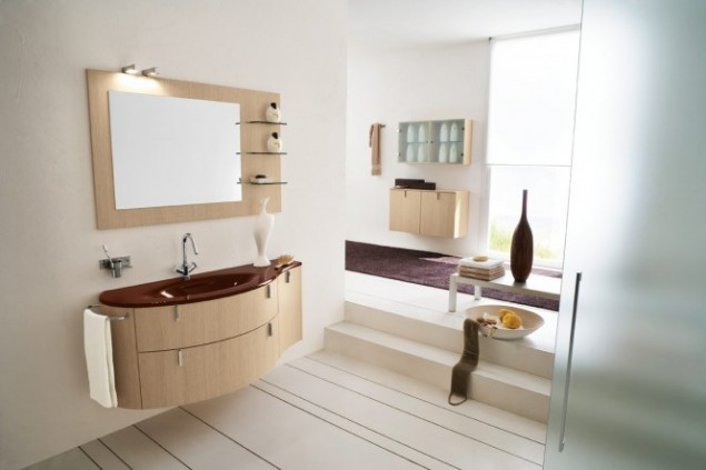 пурпурно-бежевый интерьер ванной