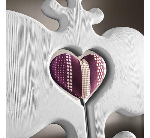 пурпурное сердце - элемент дизайнерского стула desart