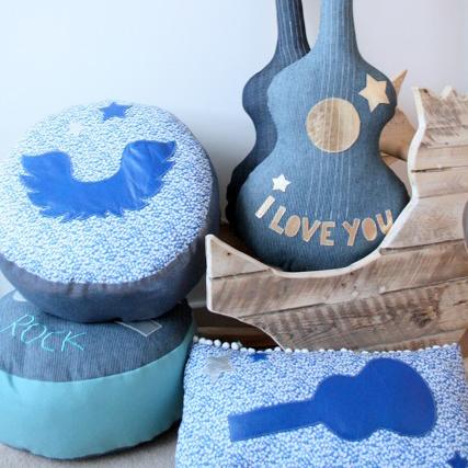 подушки и пуфики - гитары, le souk