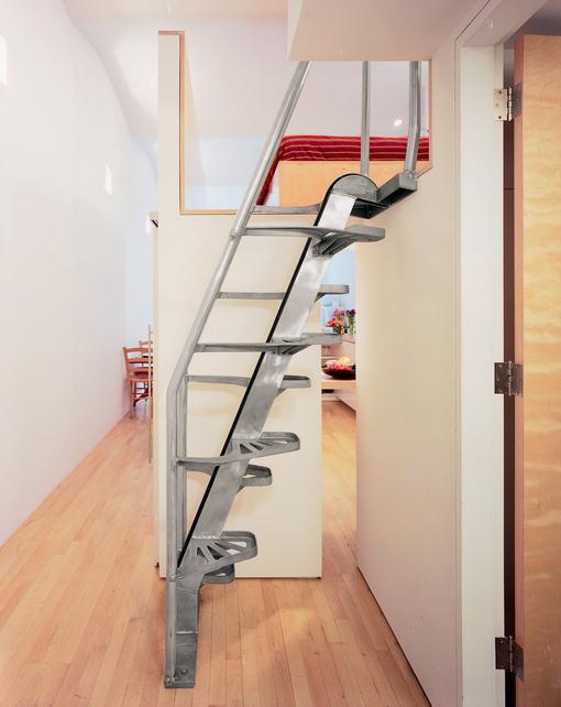 компактная лестница на чердак