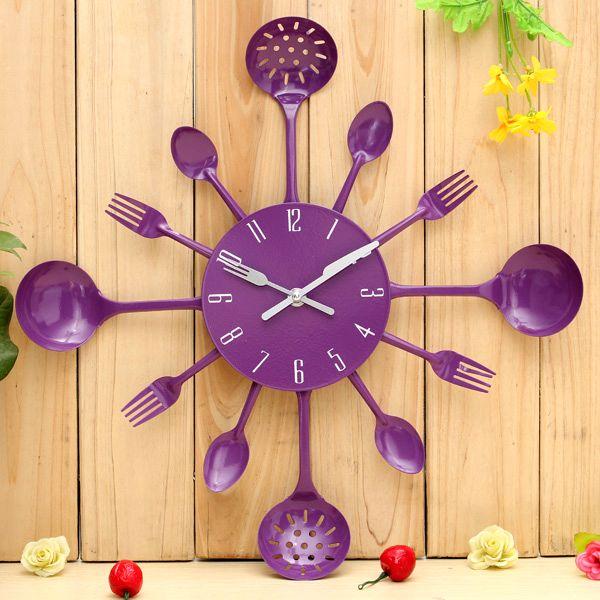 часы со столовыми приборами