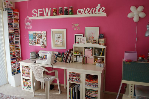 розовая комната для рукодельницы