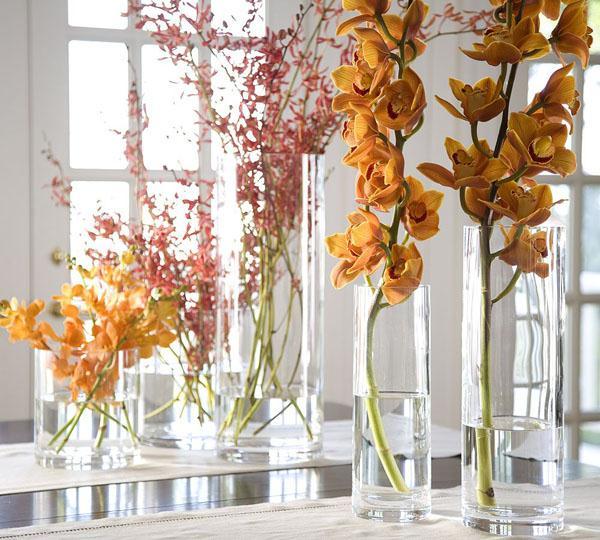 цветы в вазах, декорирование комнаты