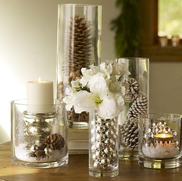 вазы и стаканы, декор интерьера комнаты