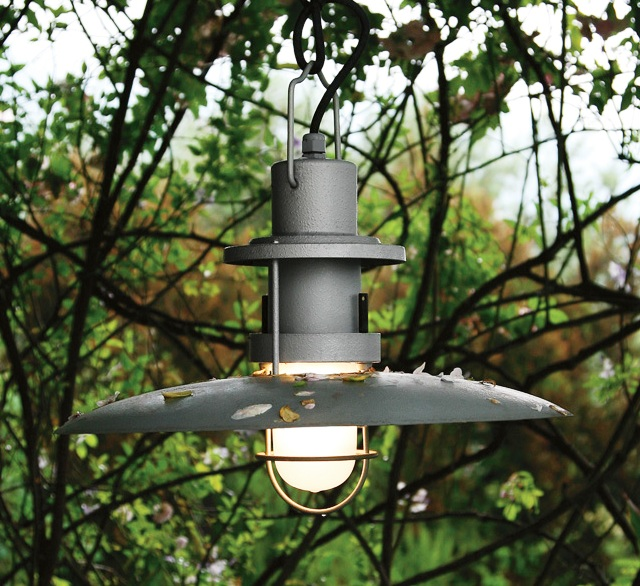 подвесной садовый фонарь