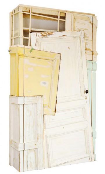 шкаф из старых дверей