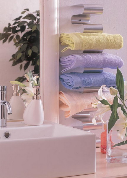 storage-ideas-small-bathroom-11