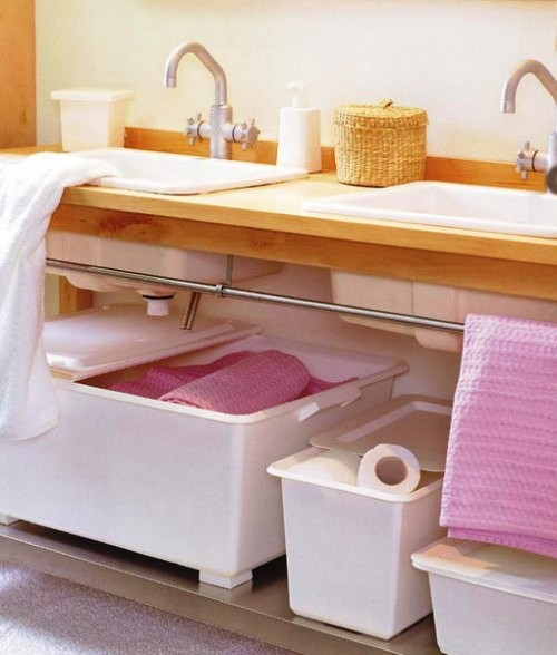 storage-ideas-small-bathroom-19