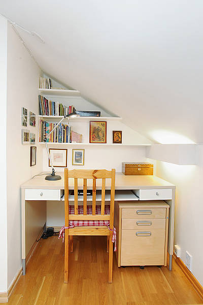 compact-home-offices-in-small-apartments-17