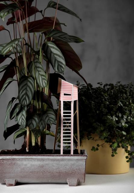 домик из бумаги как декор цветочных горшков