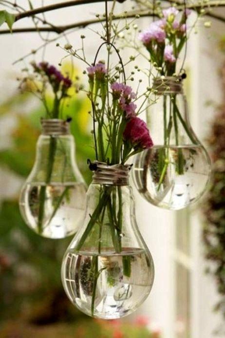подвесные вазы - поделки из лампочек