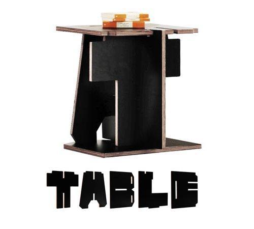 стол из фанерных букв