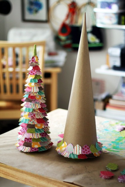 декоративная елка из бумаги и картона