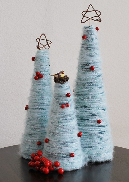 декоративные елки из шерстяной пряжи