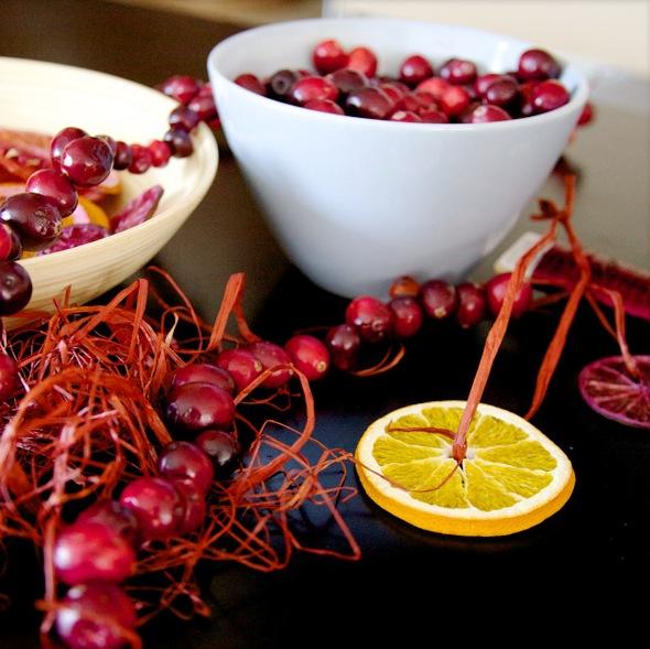 съедобные новогодние украшения из фруктов и ягод