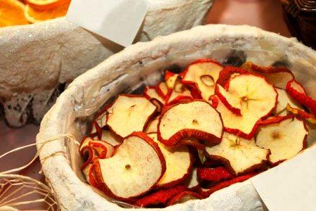 сушеные яблоки для новогодних украшений